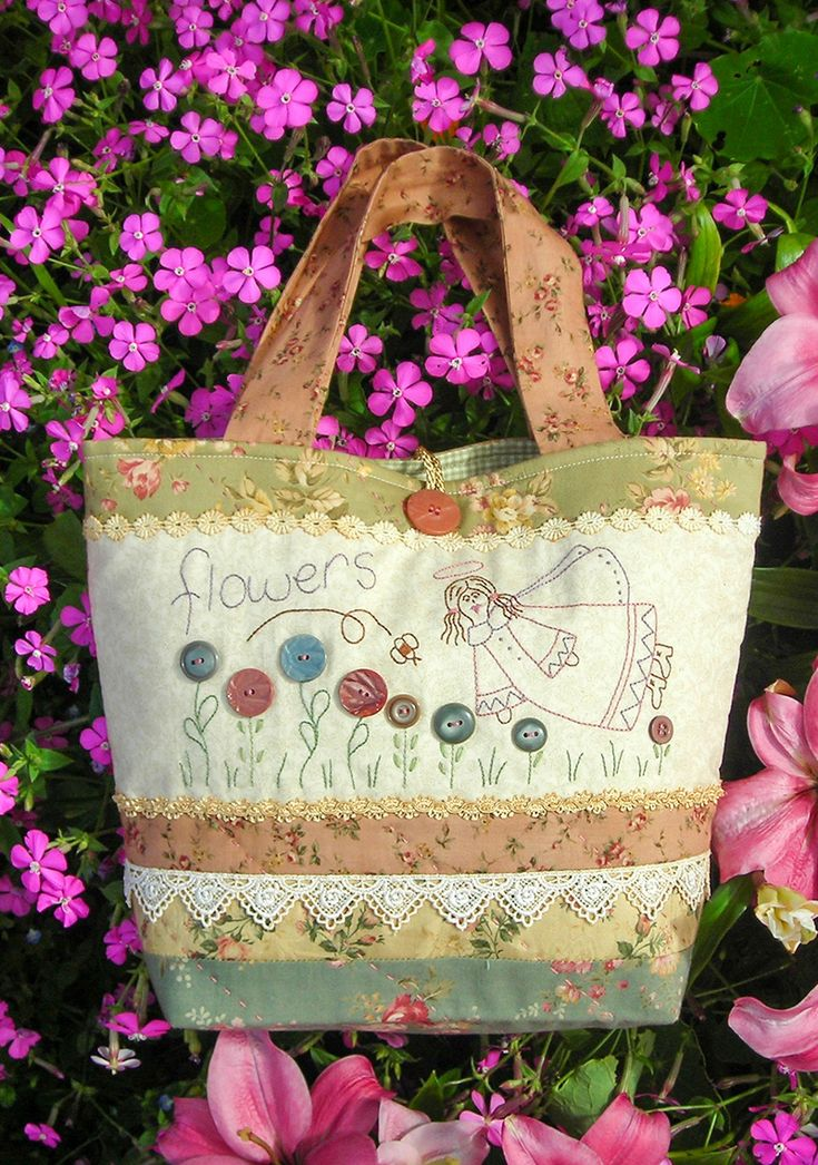 """""""Flowers & Me"""" by Sally Giblin of The Rivendale Collection.  Finished bag size: 15"""" x 12"""" #TheRivendaleCollection stitchery, appliqué and patchwork patterns. www.therivendalecollection.com.au"""