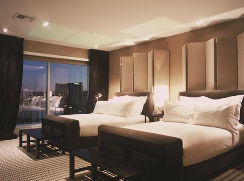 Hotel Deal Checker - Skylofts at MGM Grand