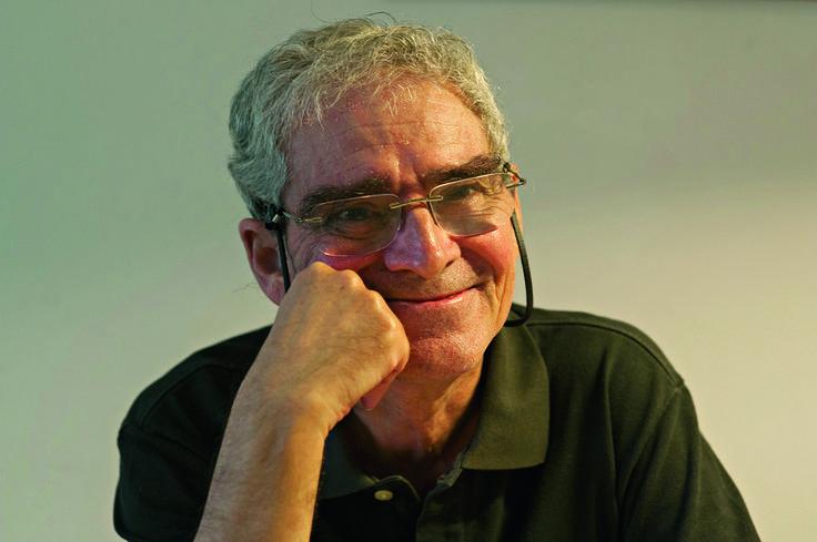 Ronda das mil belas em frol, de Mário de Carvalho #livros #opinião #bookreviews http://bicho-das-letras.blogspot.com/2017/02/ronda-das-mil-belas-em-frol-mario-de.html