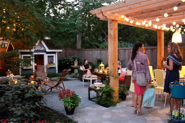 Yep that is my own backyard, and the creation by my fabulous friends, Gina and Jenny. . .LUV those gals!  Thanks for great space