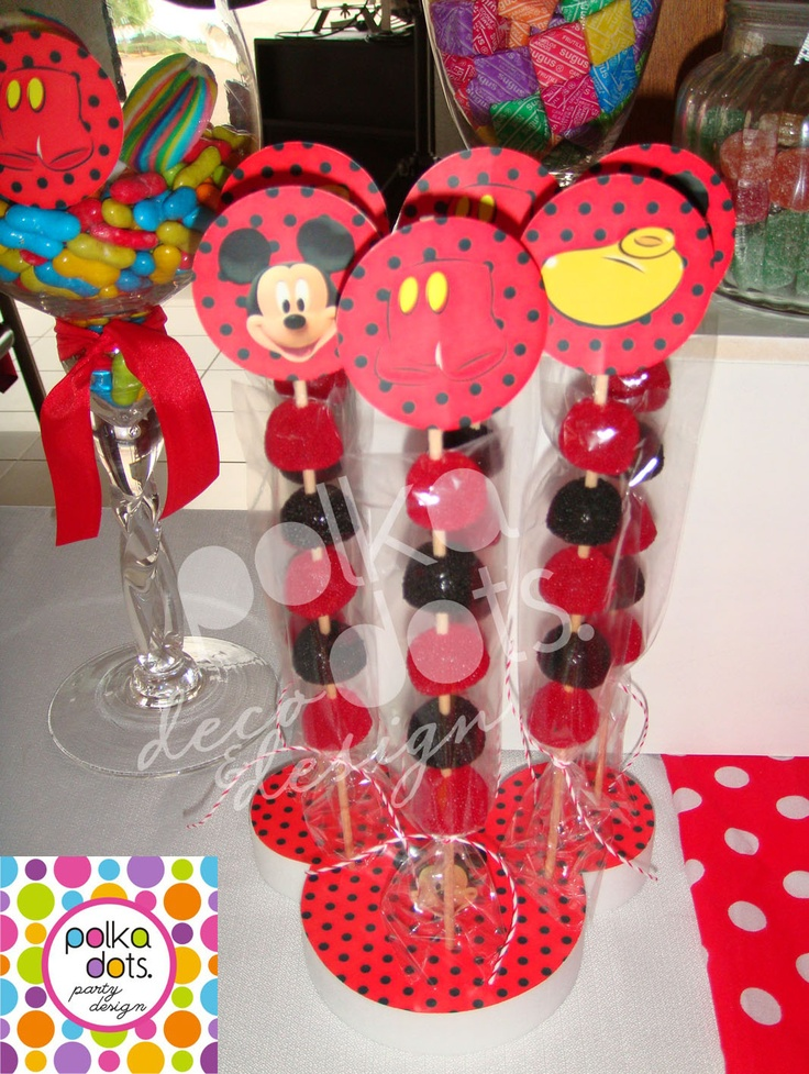 Polka Dots | Party Design: Candy Bar de Mickey para MATEO!