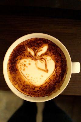 Strawberry Latte Art