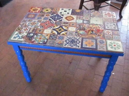 Hand-made Mexican Tile Top Table w/Lizard Inlaid