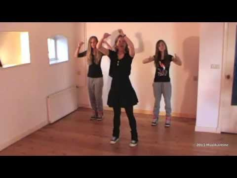 Videoclip van de dans die hoort bij De Pietengymnastiek, een lied uit het Sinterklaas lespakket voor groep 3 t/m 5 http://muzikantine.nl/producten/product-ca...