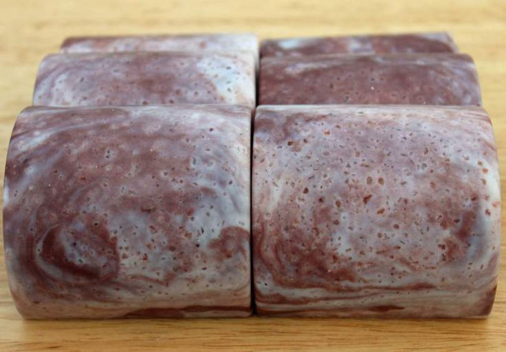 Himalayan Marble is an all natural 20% superfatted, super-moisturising goat's milk and Himalayan salt scrub bar infused with Australian pink clay. Vegetarian friendly.
