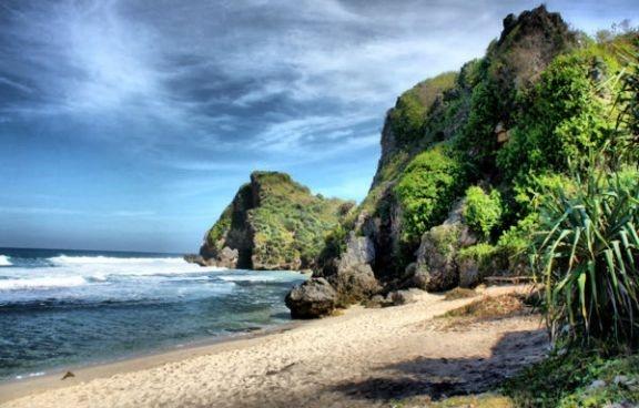 Pantai Nguyahan - Yogyakarta