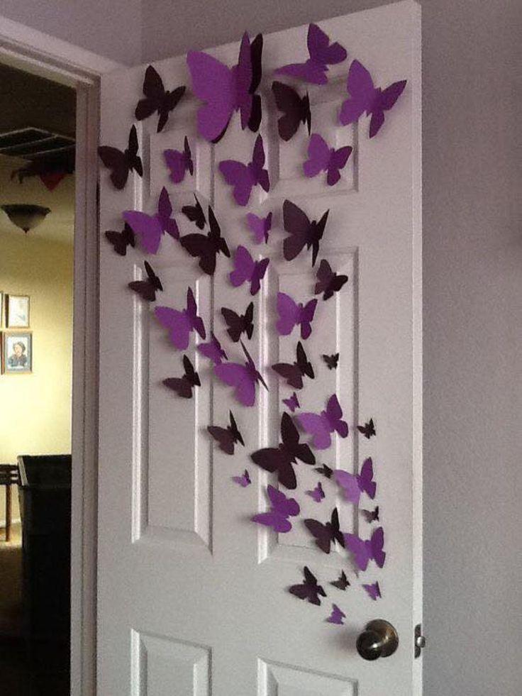 Elle coupe un carré dans un papier très coloré et en quelques plis seulement, elle réalise le plus magnifique des papillons! - Trucs et Bricolages
