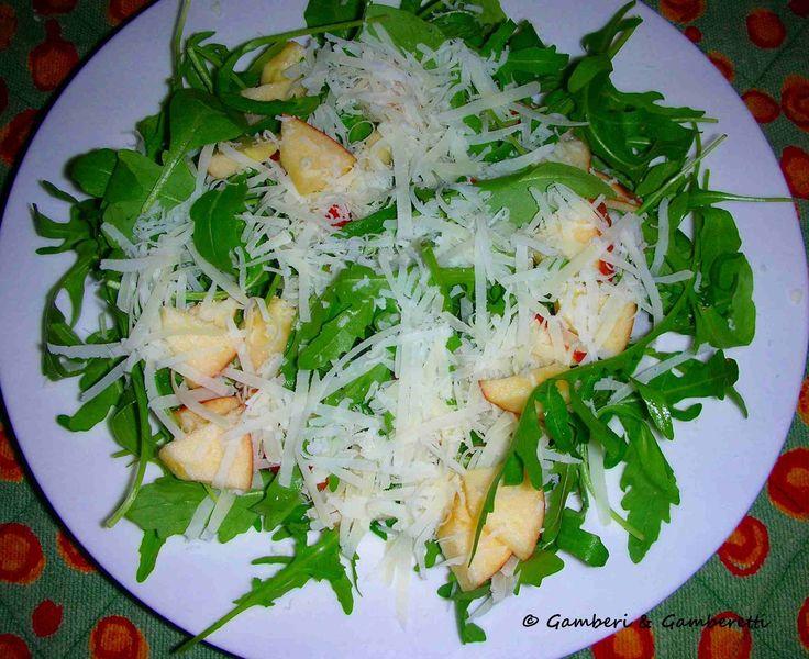 Almás rucola saláta