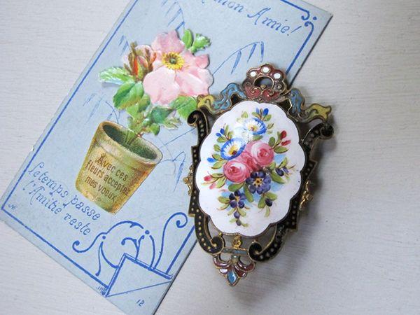 ヴィクトリアン 花のエナメルペイントブローチ