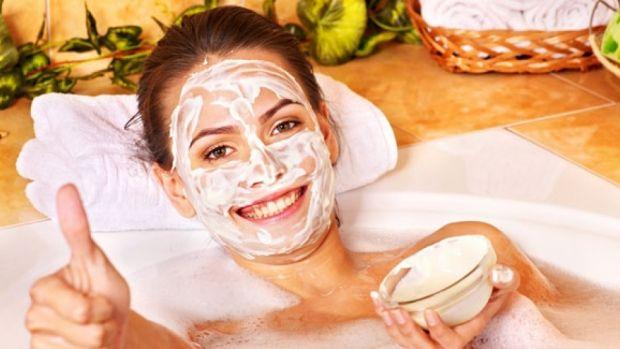 Ansigtsmasker mod fedtet og uren hud | Sådan laver du dem selv