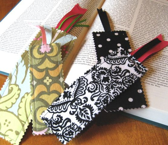 Keep your reading organized with these creative bookmarks. Use any fabric scraps available and turn them into a bookmark that can be a gift or a back-to-school essential. Click in to read the full tutorial from 7 Layers Studio.