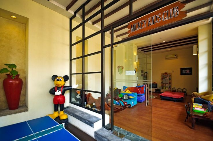 Kids club entrance