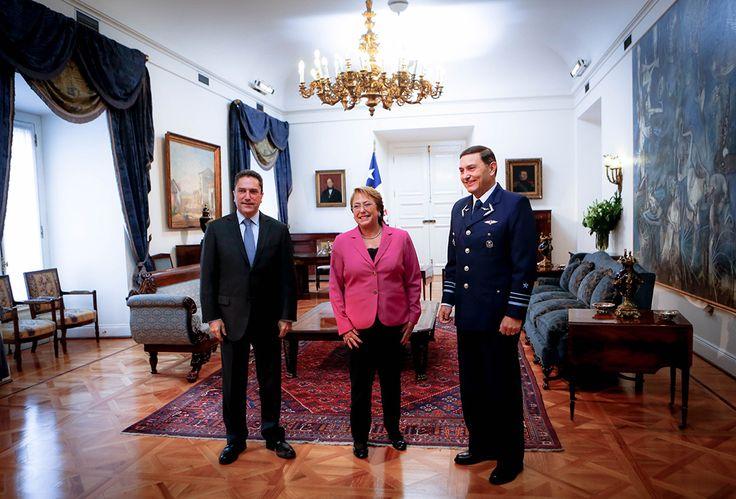 Ministro de Defensa Nacional en presentación oficial del Jefe del Estado Mayor Conjunto a Presidenta de la República, Michelle Bachelet