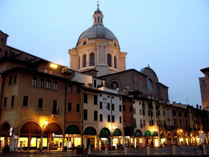 Mantova Portici Broletto, Lombardia, Italy
