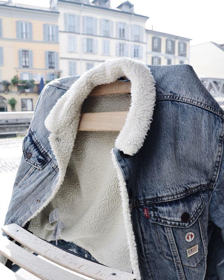 "945 Likes, 4 Comments - Urban Outfitters Europe (@urbanoutfitterseu) on Instagram: ""Get up to £30/40€ off selected men's coats! Time to get your hands on this @levis_uk jacket…"""