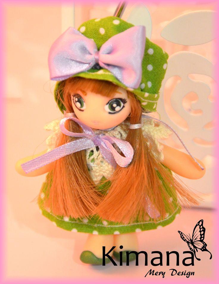 Bambolina in fimo con vestitino confezionato a mano