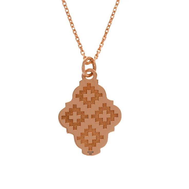 Lantisor din aur roz cu pandantiv motive traditionale Dragus