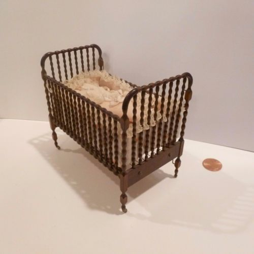 BOB-R-L-CARLISLE-MINIATURE-JENNY-LIND-CRIB-W-BEDDING-EXQUISITE-PIECE-1980