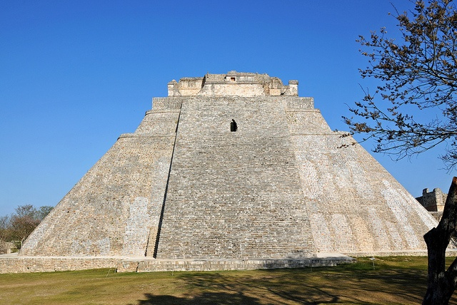 Uxmal - Pyramid of the Magician by archer10 (Dennis), via Flickr