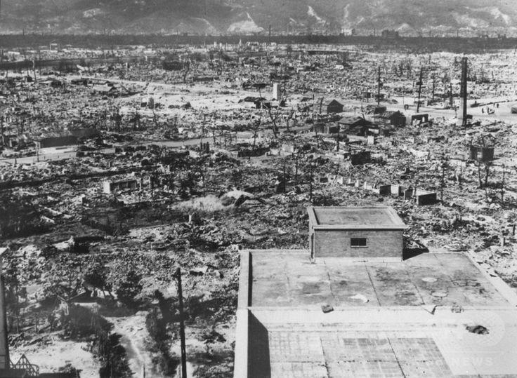 原子爆弾が投下された数日後に撮影された、壊滅状態の広島市(1945年撮影)。(c)AFP ▼6Aug2015AFP|【特集】原爆忌、AFP収蔵写真で振り返る悲劇 http://www.afpbb.com/articles/-/3056620 #Hiroshima