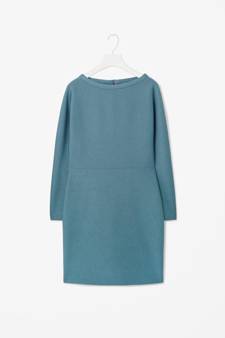 Standing collar dress