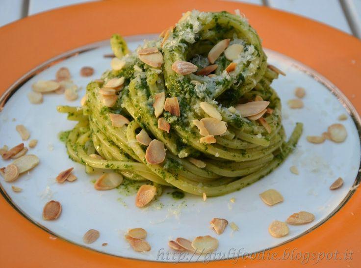 Giuli Foodie: Pesto di Rucola e Basilico con Mandorle Tostate