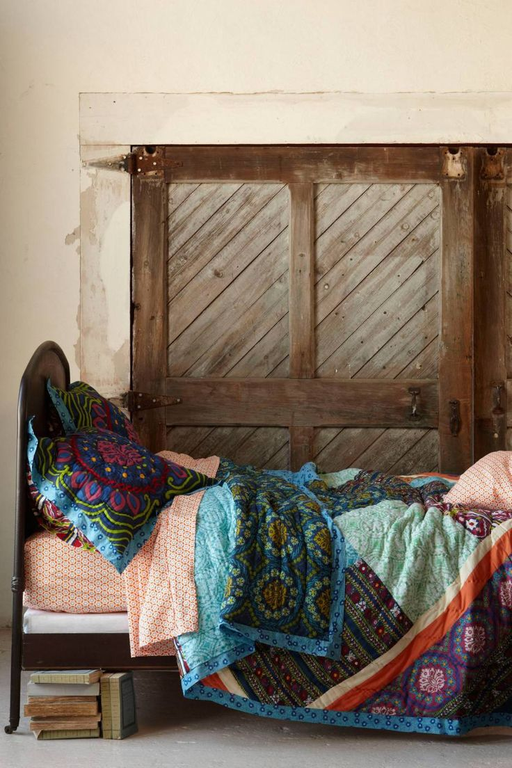 Anthropologie's New Arrivals: Colorful Be dding & Rugs - www.topista.com #anthrofave