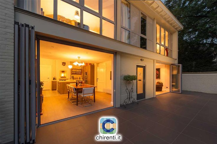 Il  soggiorno di casa...ampliato grazie alle vetrate pieghevoli #vetratepanoramiche   #vetratescorrevoli  #giardinidinverno  #vetrata  #coperturemobili   #vetratebalconi  #dehor  #casagiardino  #copertureamovibili