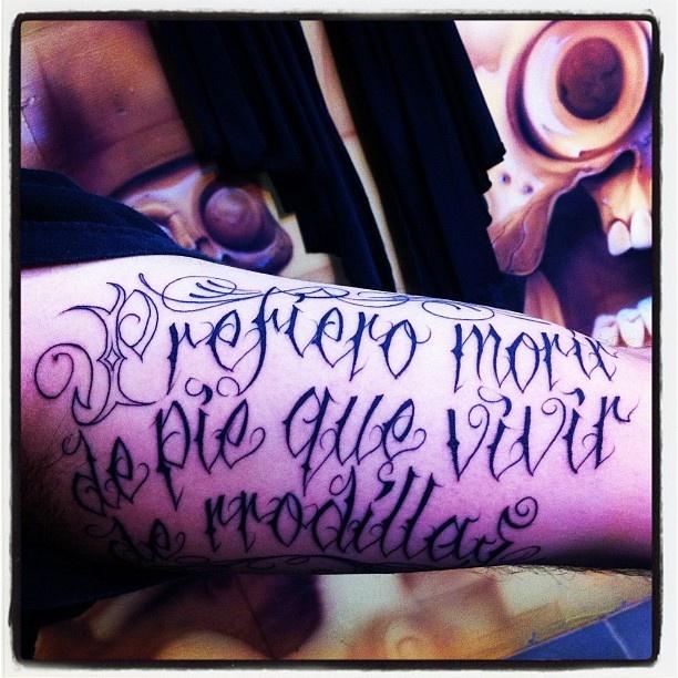 Prefiero morir de pie que vivir de rodillas emiliano for Emiliano zapata tattoo