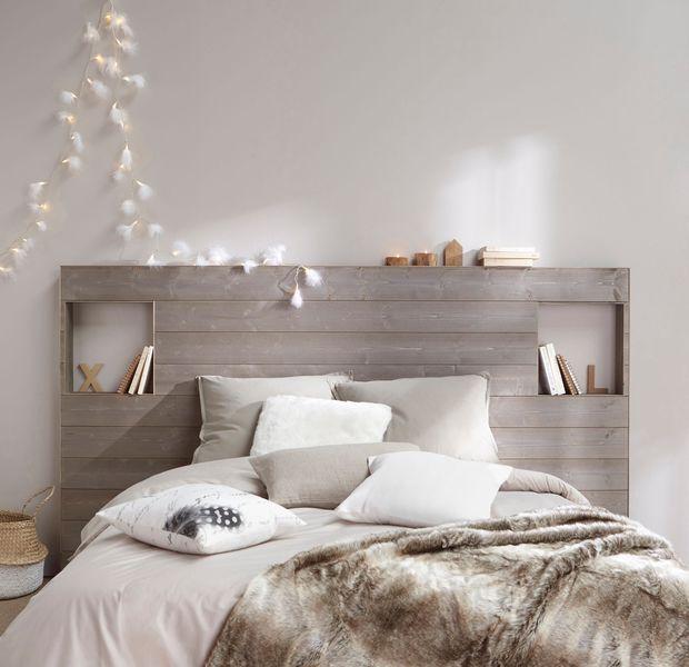 On a tous envie d'une chambre cosy ! Comment créer un véritable cocon propice à la rêverie et transformer la chambre en un nid douillet aussi confortable et moelleux que nos oreillers ? Voici nos 12 idées déco pour rendre la chambre cosy, cocooning, propice à la détente et à la relaxation...
