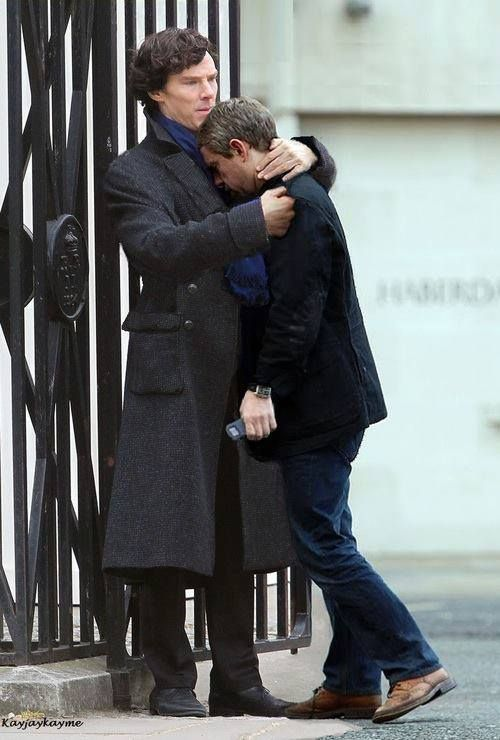 Benedict Cumberbatch comforts Martin Freeman after shooting the 'Reichenbach' scene (BBC Sherlock)