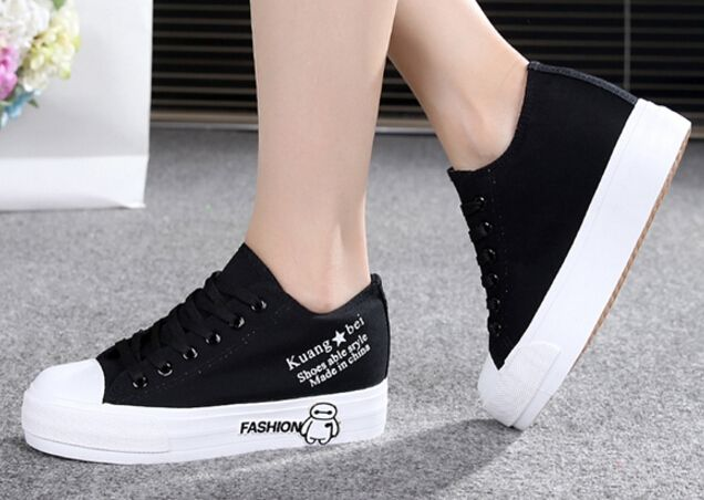 2017 Autumn Breathable Women s Casual Shoes white Platform Canvas Shoes Casual Flat Shoes Women Creepers. Click visit to buy #Women #Vulcanize #Shoes #WomenShoes #VulcanizeShoes