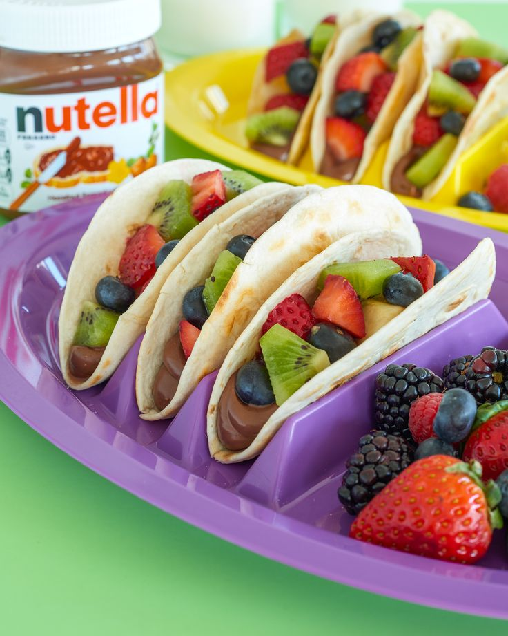 For a Mexican recipe that will give your guests something to taco 'bout, spread soft tortillas with Nutella® and top with festive fruits. Did someone say delicioso?