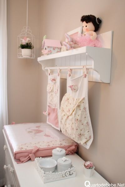 quarto bebe decorado enxoval rosa branco passarinhos
