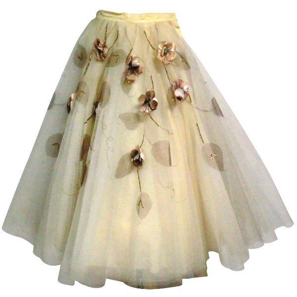 50s Full Tulle Skirt with Silk Flower and Leaf Applique ❤ liked on Polyvore featuring skirts, bottoms, dresses, gonne, flared skirt, evening skirts, circle skirt, skater skirt and beige skirt