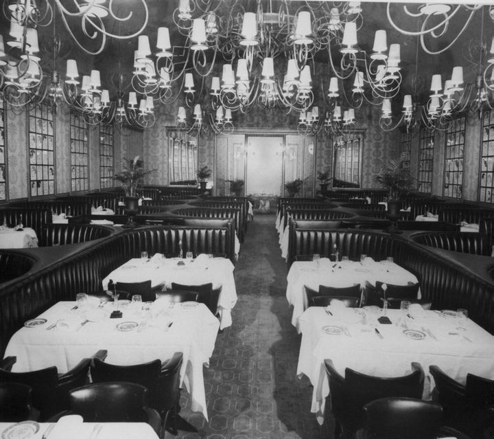 Interior Of The Brown Derby Hollywood http://www.pinterest.com/twisnturn1/vintage-los-angeles-california/