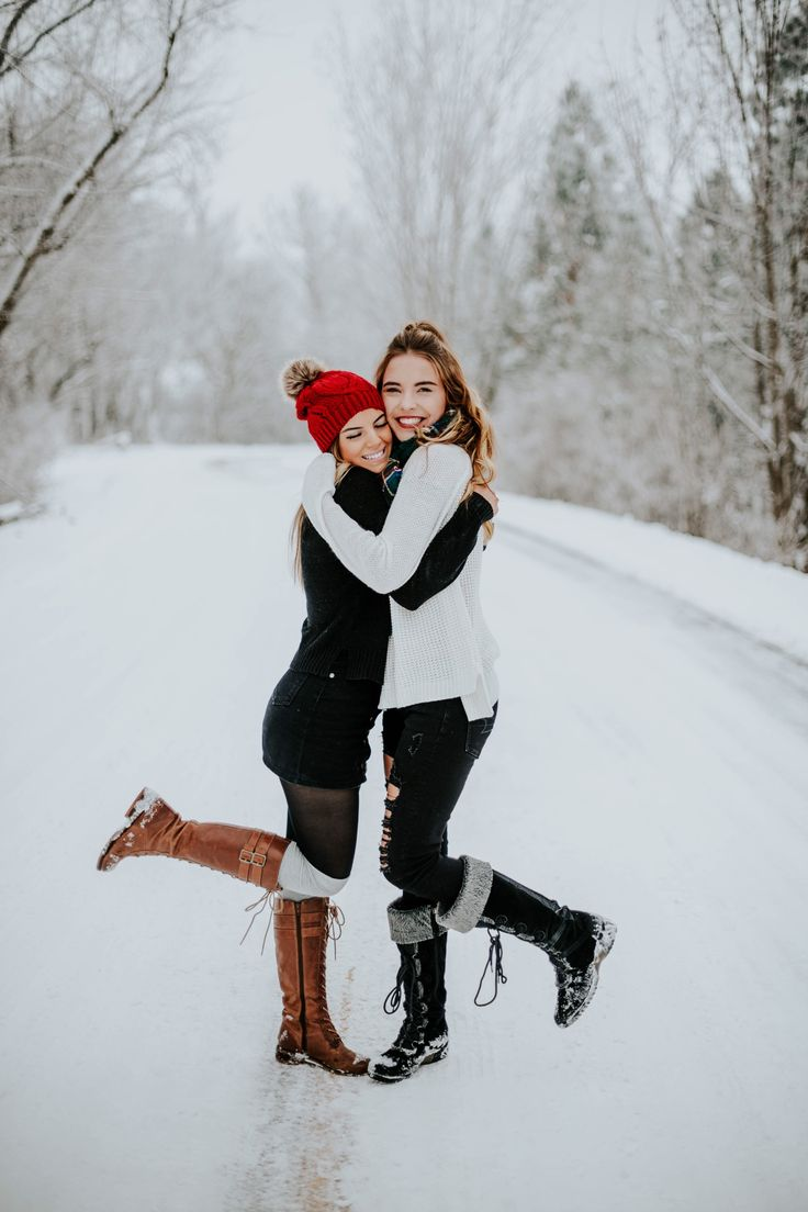 BFF SNOW PHOTOSHOOT – marielena martinez