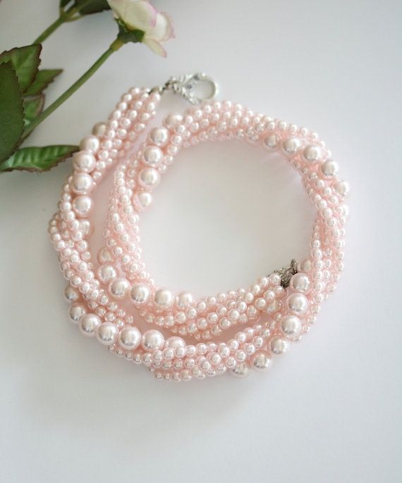 Pink pearl bead necklace