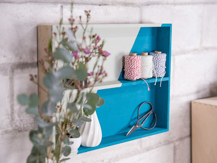 DIY-Anleitung: Schubladeneinsatz zum Wandregal umwandeln / upcycling idea for your home: turn a drawer into a cute wall rack via DaWanda.com
