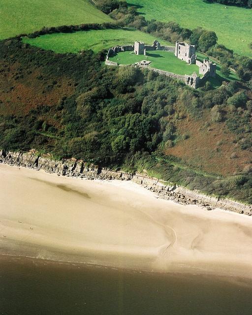 Llansteffan Castle, Carmarthenshire Sep 08 by discover carmarthenshire, via Flickr