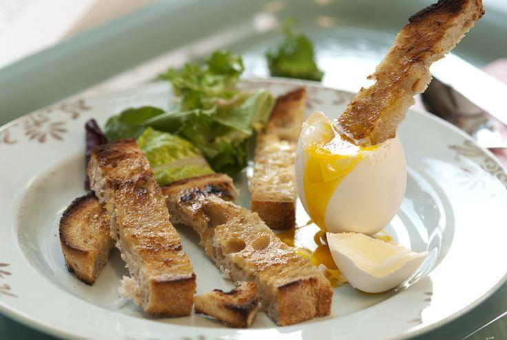 bløtkokt egg og brødpinner