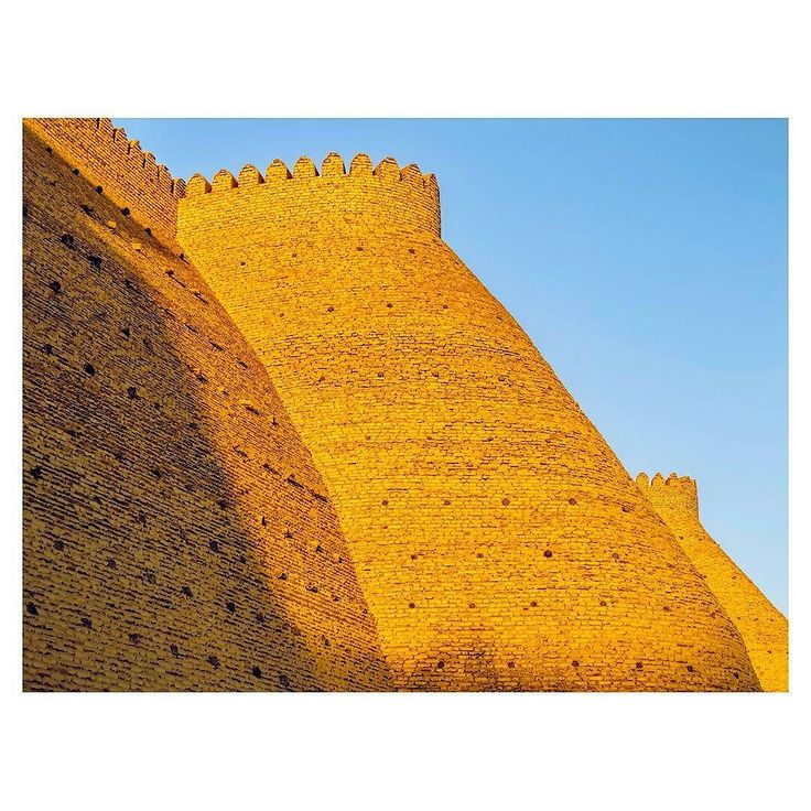 What is your destination this summer? Ours is where the infinite sand and sky scraping mountains cross fruit gardens and cristal streams where one forgets about time and lose himself in imagination and echos of the ancient legends layered upon the land... #Uzbekistan #inspiration #Lemiche . . . #travel #beautifulplaces #khiva #photooftheday #inspirationoftheday #moodoftheday #placetobe #bucketlist #viaje #vacation #vacationmood #readyforvacation #summer summermood #readyforsummer #lovethesun…