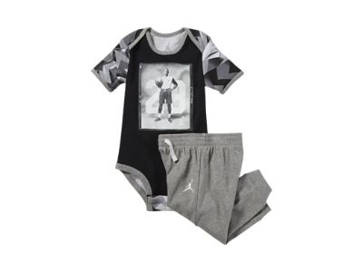 Jordan Two-Piece Newborn Boys' Set