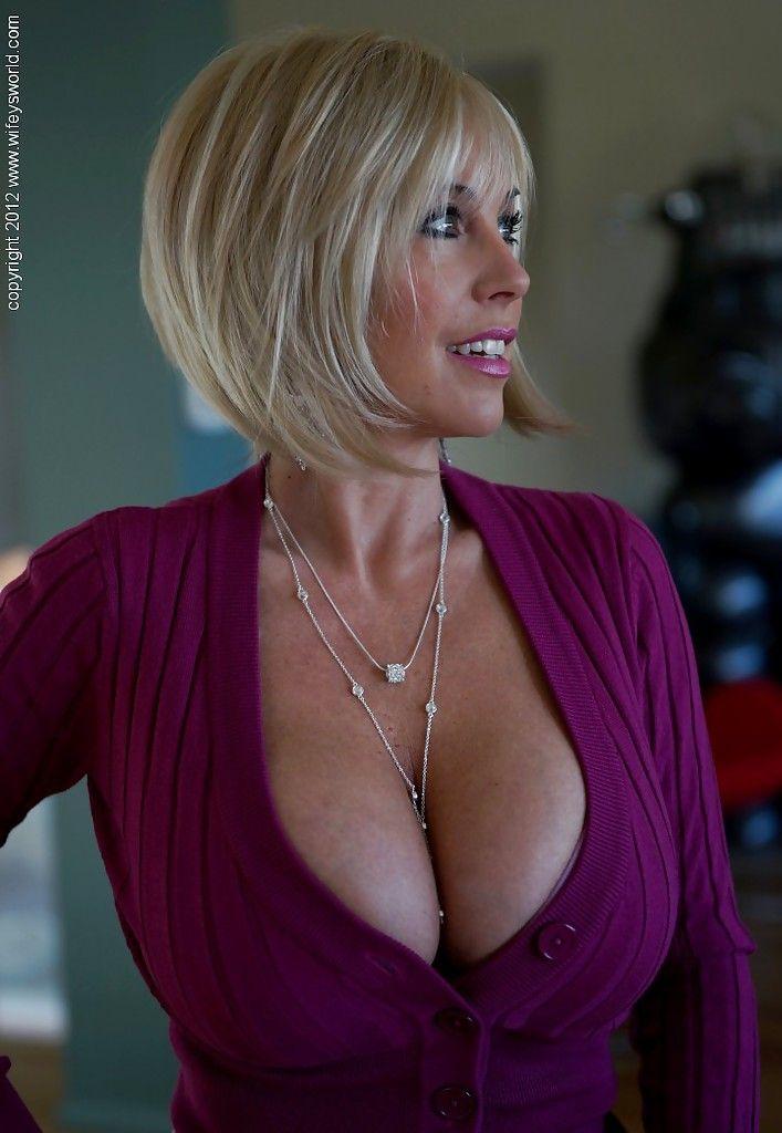 Blonde Hair Milf 6
