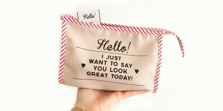 Esto es lo que debes de llevar en tu bolsita de maquillaje para la escuela