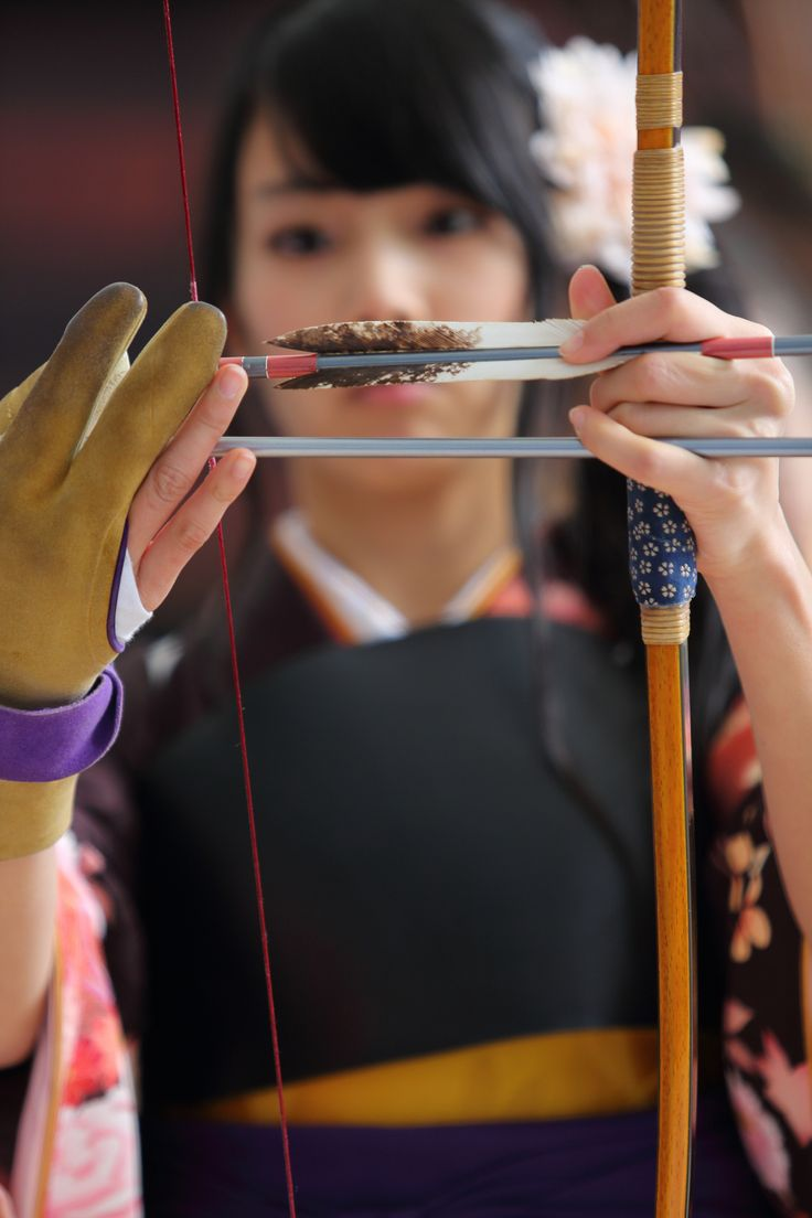 https://flic.kr/p/dMDweZ | Player | Located : Sanju-sangen-do Temple, Higashiyama, Kyoto.  Jan 13, 2013.