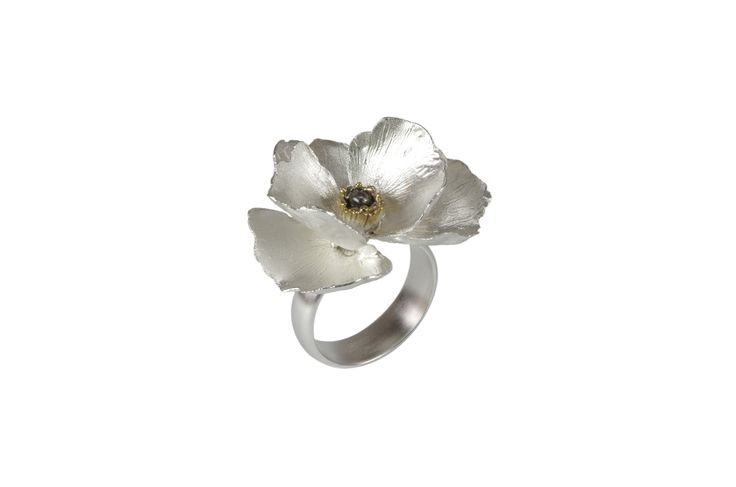Unusual Flower Ring  http://susanateixeira.pt/product/unusual-flower-engagement-ring/