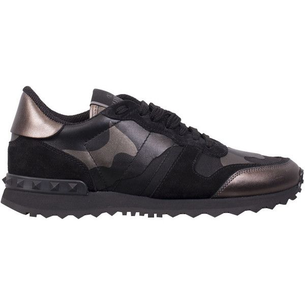 Valentino Garavani Rockrunner camouflage sneakers (2.985 BRL) ❤ liked on Polyvore featuring shoes, sneakers, black, black trainers, summer shoes, rubber sole shoes, valentino sneakers and camo sneakers