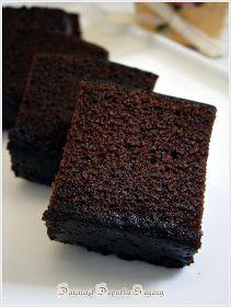 Tekstur kek yg baru lepas masak dan masih suam lagi...tp x sabar nk potong dan makan...hehe     Yep betul!..ni lah yg dikatakan kek Belac...