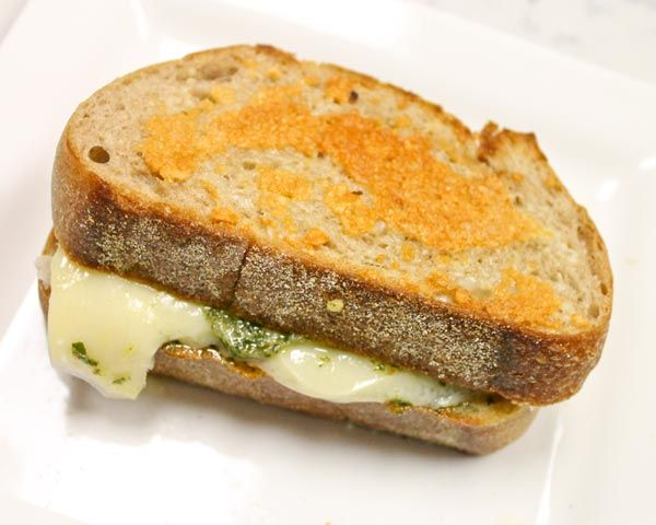 Parmesan-Crusted Pesto-Gruyére Grilled Cheese Recipe
